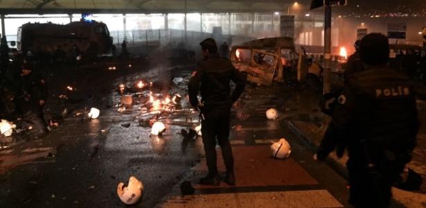 Duplo atentado em Istambul, ao lado do estádio de futebol, deixou mortos