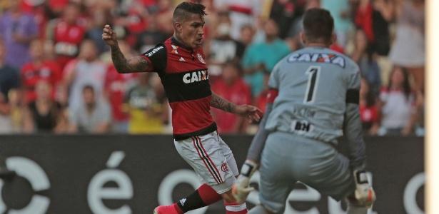 Guerrero (fora neste domingo) e o goleiro Victor na partida inaugural pelo Brasileirão
