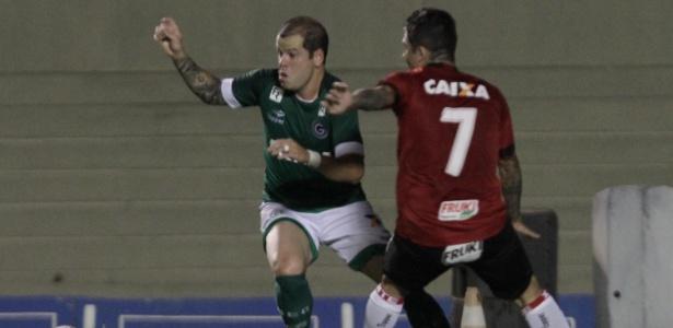 Tiago Luís ainda não definiu se continua no Goiás para a próxima temporada - Carlos Costa/Futura Press/Estadão Conteúdo