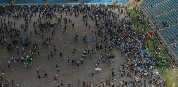 Festa da torcida em Porto Alegre tem volta Olímpica e vibração sem troféu