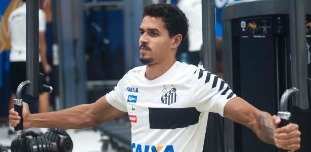 Zagueiro de 23 anos já iniciou pré-temporada com o elenco do Santos no CT Rei Pelé