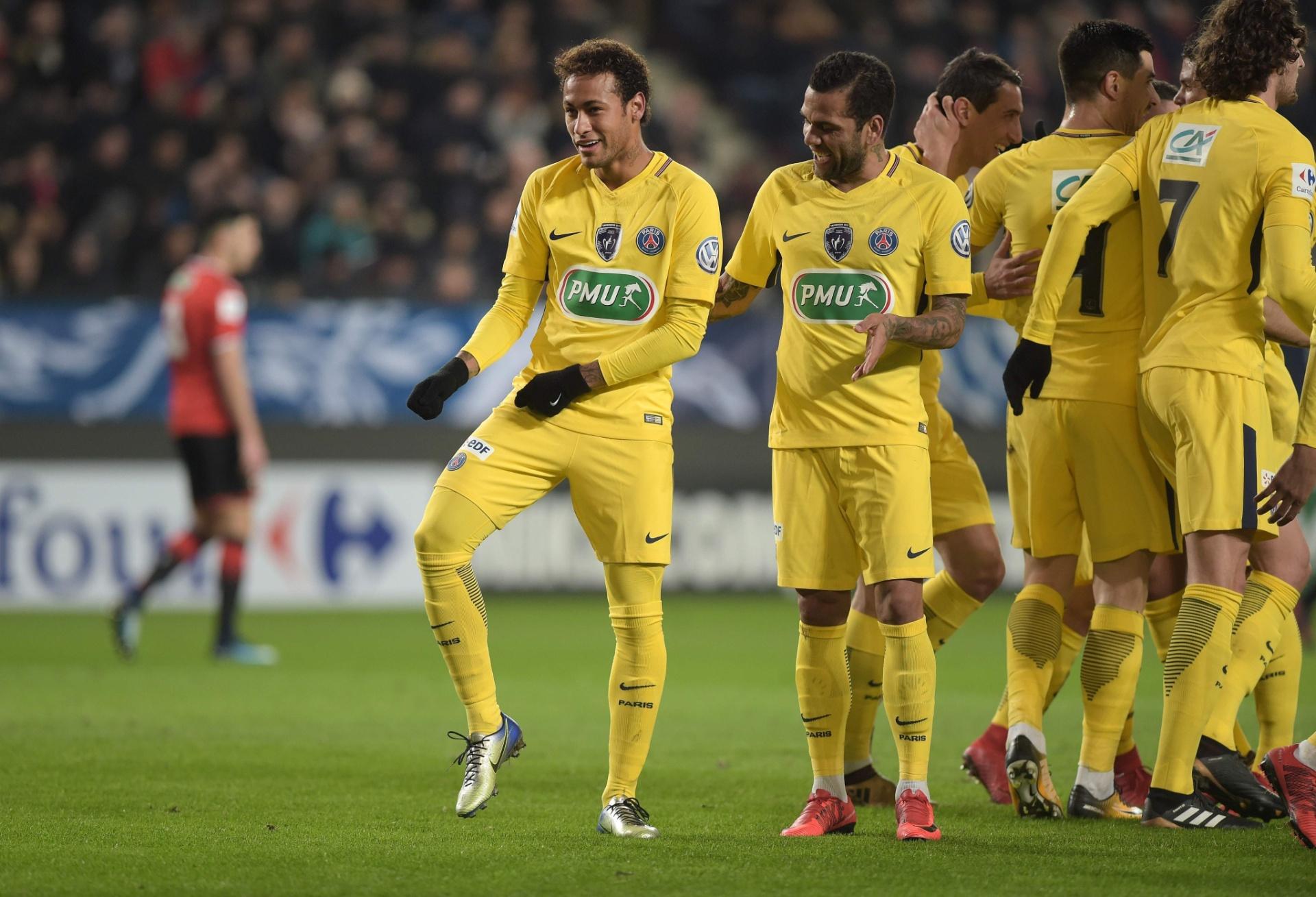 Neymar marca belos gols após folga c1e1217dda47c