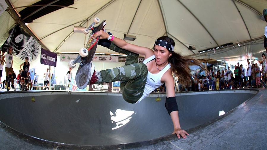 Yndiara Asp, skatista profissional brasileira - Reprodução/Facebook