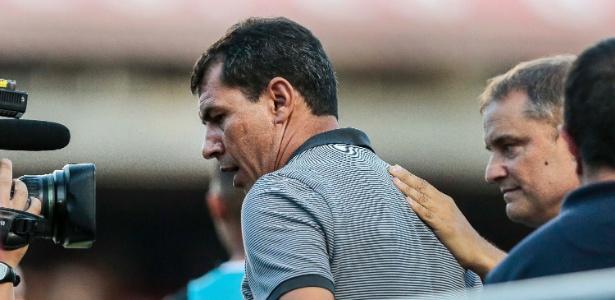 Carille se irritou com uma atitude de Aguirre antes do clássico São Paulo e Corinthians