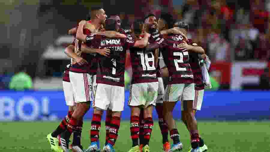 Jogadores do Flamengo comemoram vitória histórica sobre o Grêmio no Maracanã - Pilar Olivares/Reuters