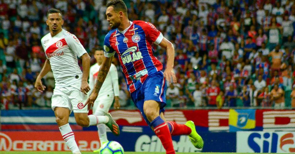 Gilberto, do Bahia, durante partida contra o Internacional pelo Campeonato Brasileiro