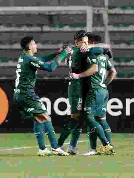 Jogadores do Palmeiras comemoram gol de Willian contra o Bolívar (BOL) em jogo da Copa Libertadores - David Mercado - Pool/Getty Images