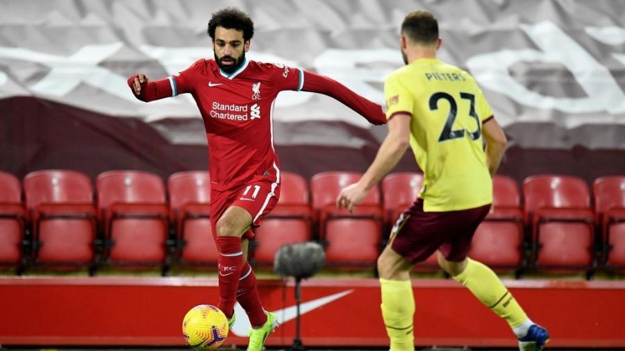 Salah em ação durante a partida entre Liverpool e Burnley, pelo Campeonato Inglês - Getty Images
