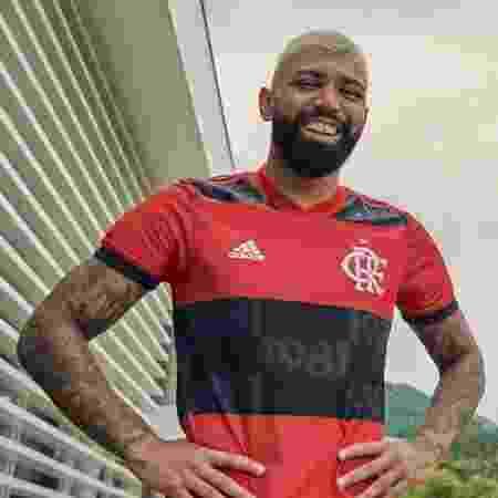 Gabigol com novo uniforme do Flamengo para 2021 - Divulgação/CR Flamengo - Divulgação/CR Flamengo