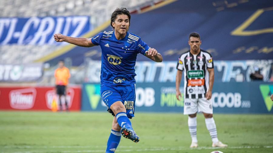 De pênalti, Marcelo Moreno marcou o gol que deu a vitória ao Cruzeiro no Mineirão - Igor Sales/Cruzeiro