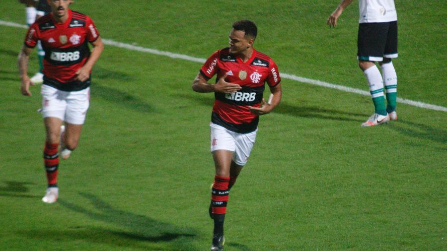 Rodrigo Muniz comemora gol do Flamengo  - Gabriel Machado/AGIF