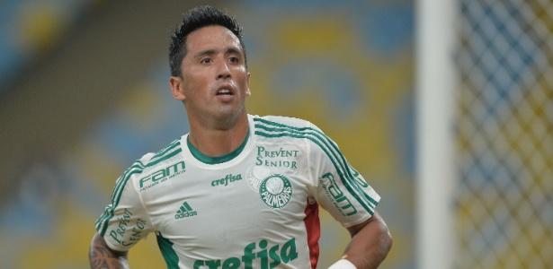 Lucas Barrios deve deixar o Palmeiras nas próximas semanas - Pedro Martins/AGIF