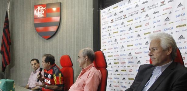 Rodrigo Caetano, Muricy Ramalho, Bandeira e Flávio Godinho: dúvidas no Flamengo - Gilvan de Souza/ Flamengo