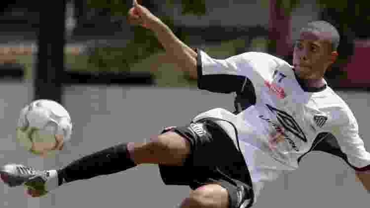 Robinho em treino do Santos em sua primeira passagem pelo clube - Fernando Santos/Folha Imagem - Fernando Santos/Folha Imagem