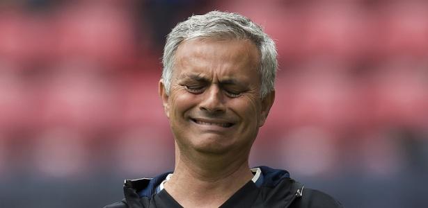 Técnico acumula multas desde seu retorno ao futebol inglês em 2013 - JON SUPER/AFP