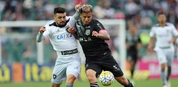 Rafael Moura foi mais uma vez rebaixado no Campeonato Brasileiro