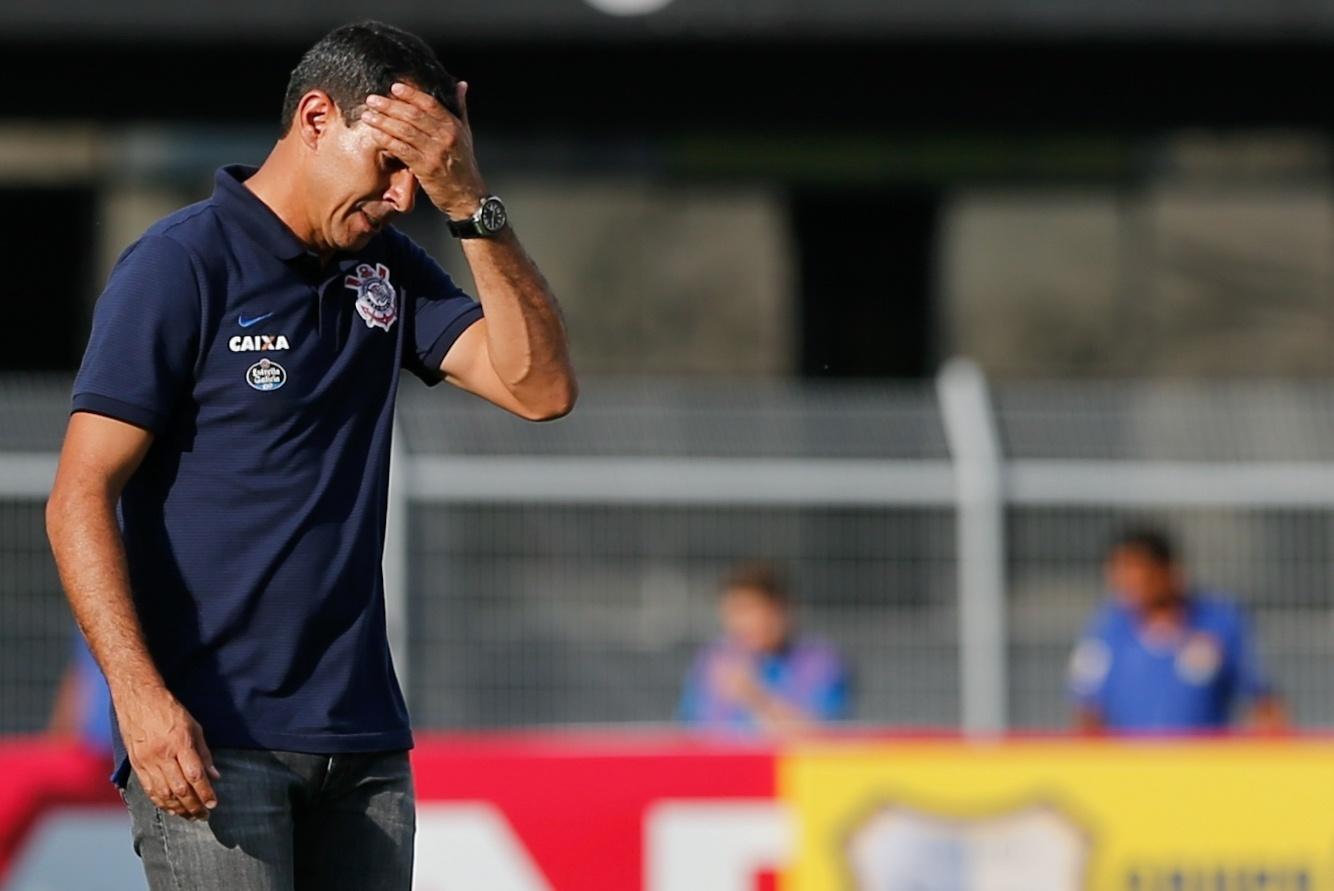 Fabio Carille mostra preocupação no duelo do Corinthians contra a Ponte Preta