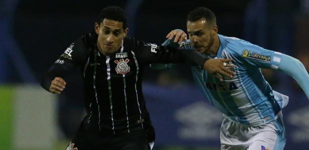 Pablo sentiu dores durante o primeiro tempo da partida contra o Avaí