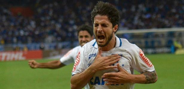 Cruzeiro quer ter Hudson sem pagar multa integral ao São Paulo