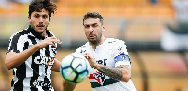 Lucas Pratto é um nome que agrada ao técnico Mano Menezes, atualmente no Cruzeiro