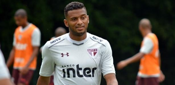 Reinaldo pode ser novidade no São Paulo nesta terça-feira