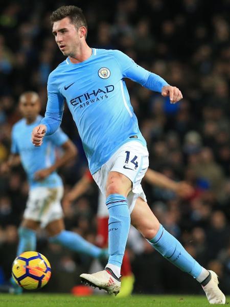 Aymeric Laporte em ação pelo Manchester City contra o West Bromwich Albion - Lindsey Parnaby/AFP