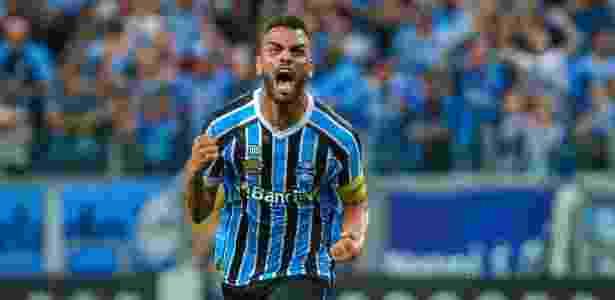 Ex-São Paulo, o volante Maicon defende as cores do Grêmio há  mais de três anos - LUCAS UEBEL/GREMIO FBPA