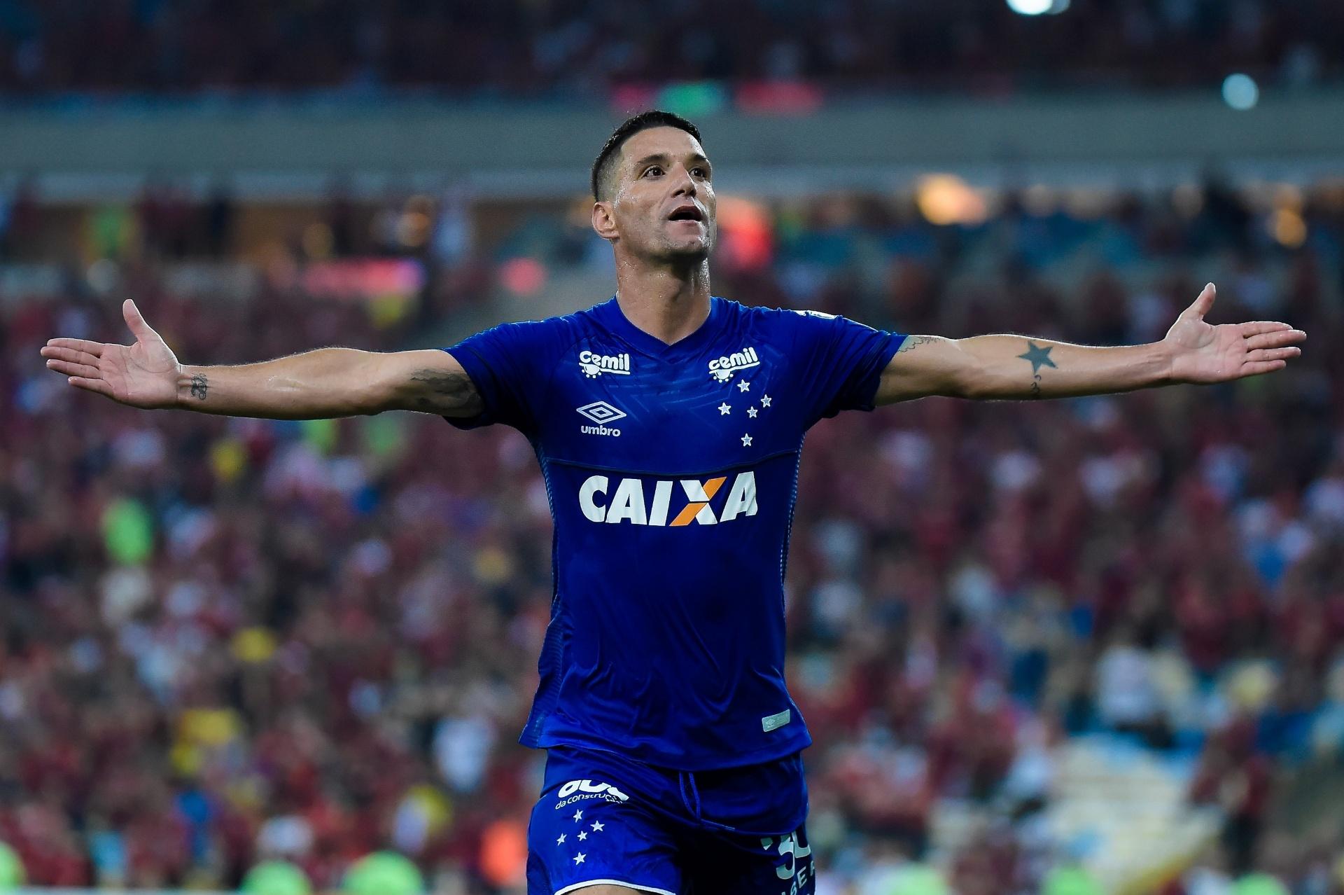 ac3531ed9b Thiago Neves marca após 12 jogos e comenta vantagem