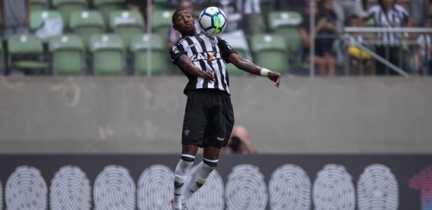 Emerson em ação pelo Atlético-MG, lateral interessa a clubes do futebol europeu