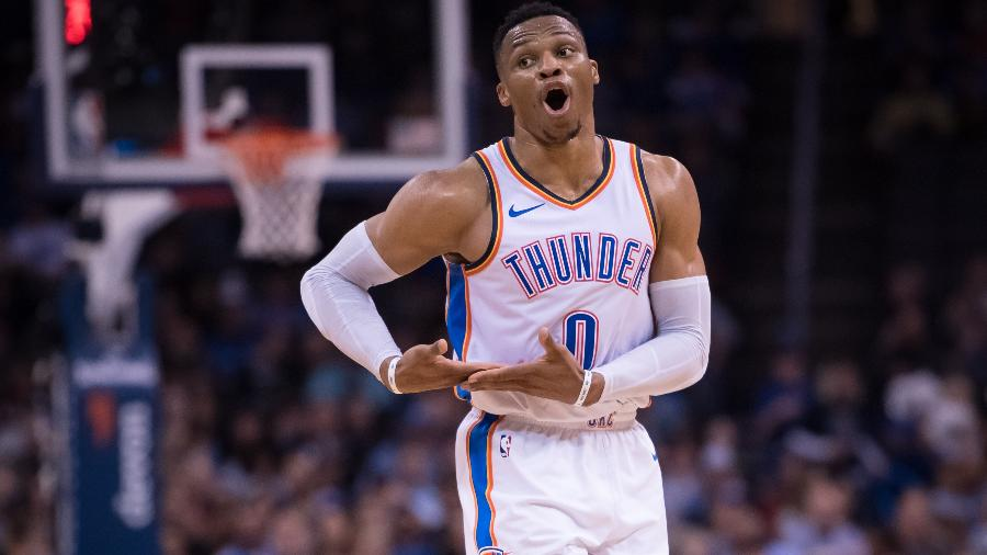 Russell Westbrook, do Oklahoma City Thunder, comemora após marcar sobre o Cleveland Cavaliers  - Rob Ferguson/USA TODAY Sports