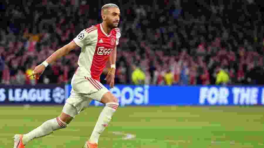 Hakim Ziyech em partida do Ajax - Emmanuel Dunand/AFP