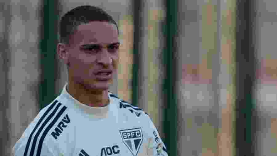 Antony participa de treino do São Paulo no CT da Barra Funda - Marcello Zambrana/AGIF