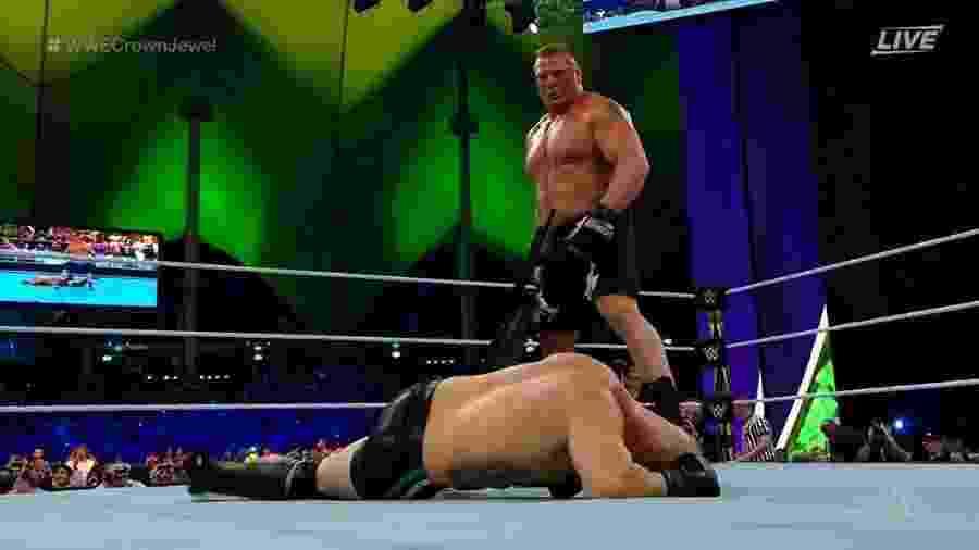 Cain Velasquez é derrotado por Brock Lesnar em estreia oficial na WWE; veja - Reprodução/Instagram