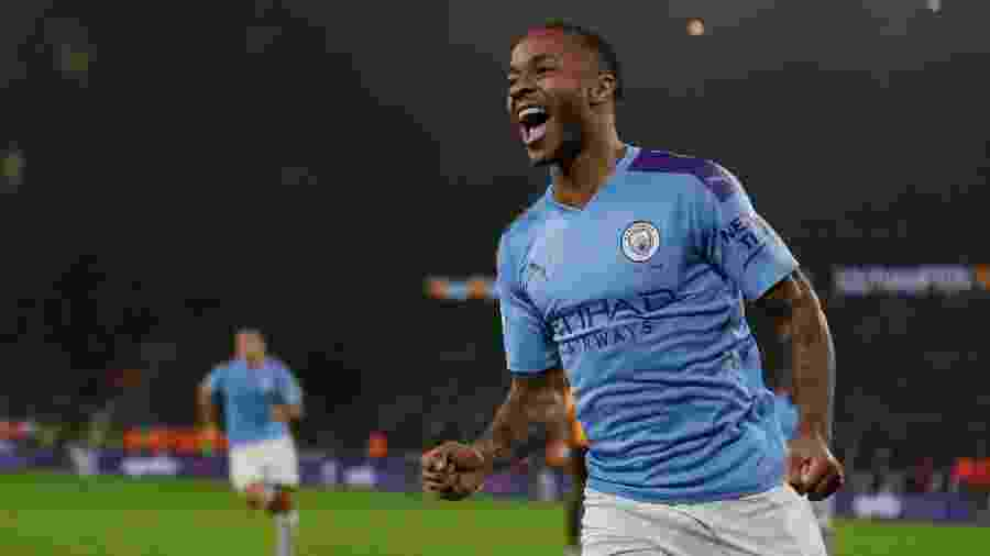 Sterling comemora gol do Manchester City contra o Wolverhampton - James Baylis - AMA/Getty Images