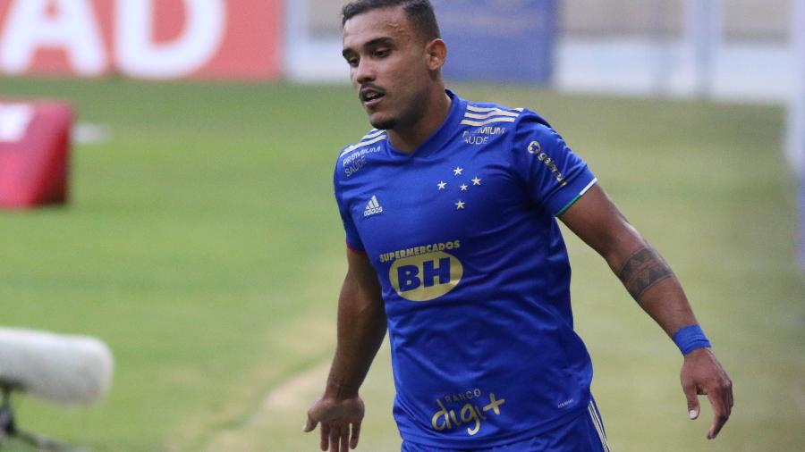 William Pottker, do Cruzeiro, comemora gol diante do Patrocinense, no Campeonato Mineiro - Fernando Moreno/AGIF
