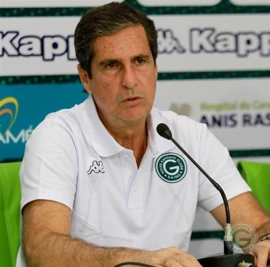 Artur Neto deixou o comando do Goiás na 31ª rodada, depois de perder para o Santos