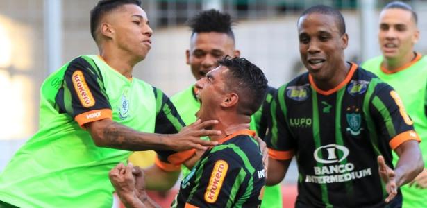 Danilo comemora gol do América-MG contra o Atlético-MG, na final do Mineiro em 2016
