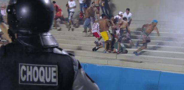 Clássico entre Goiás e Vila Nova terminou em pancadaria no Serra Dourada