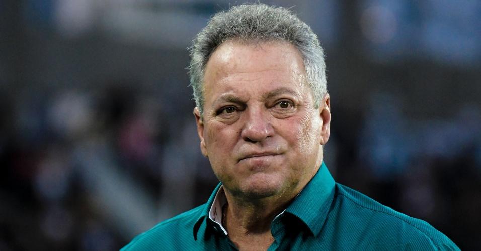 Abel Braga antes do jogo entre Botafogo e Fluminense