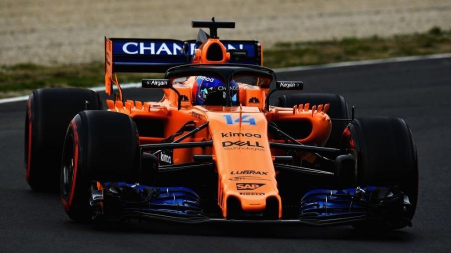 Fernando Alonso, da McLaren, durante os testes da pré-temporada - Patrik Lundin/Getty Images