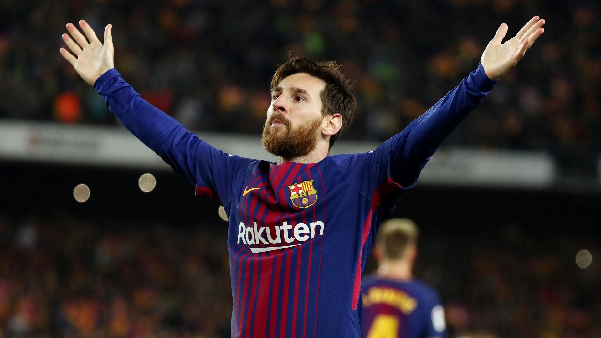 Lionel Messi comemora após marcar para o Barcelona contra o Real Madrid