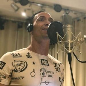 Atacante do Atlético-MG soltou a voz em duas músicas que serão lançadas em 2019 - Reprodução/Instagram