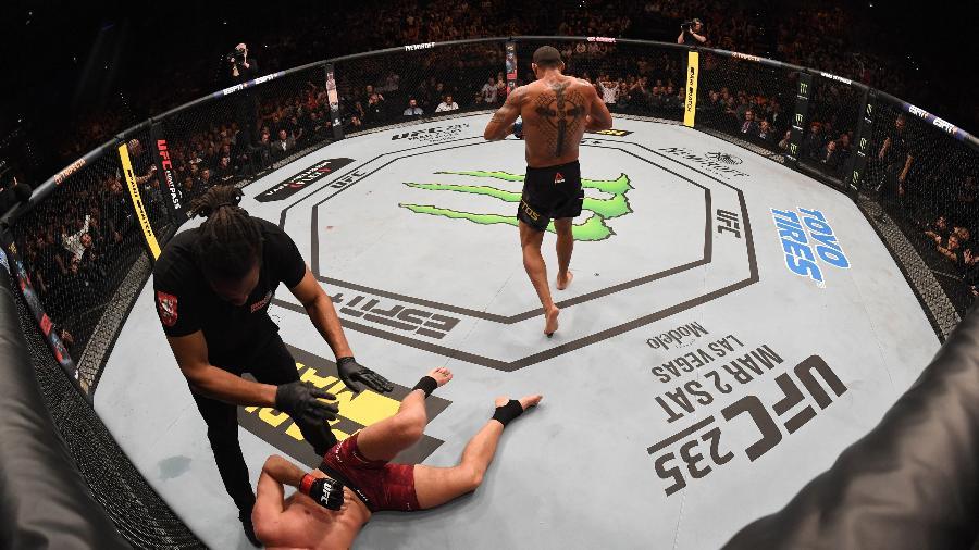 Brasileiro conquistou seu 11º nocaute no UFC, igualando marca de Ânderson Silva - Jeff Bottari/Zuffa LLC/Zuffa LLC via Getty Images