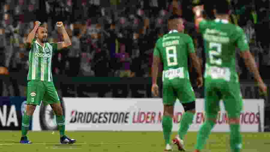 Hernán Barcos está no Brasil com a família e analisa ofertas para a temporada - https://esporte.uol.com.br/futebol/times/atletico-mg/