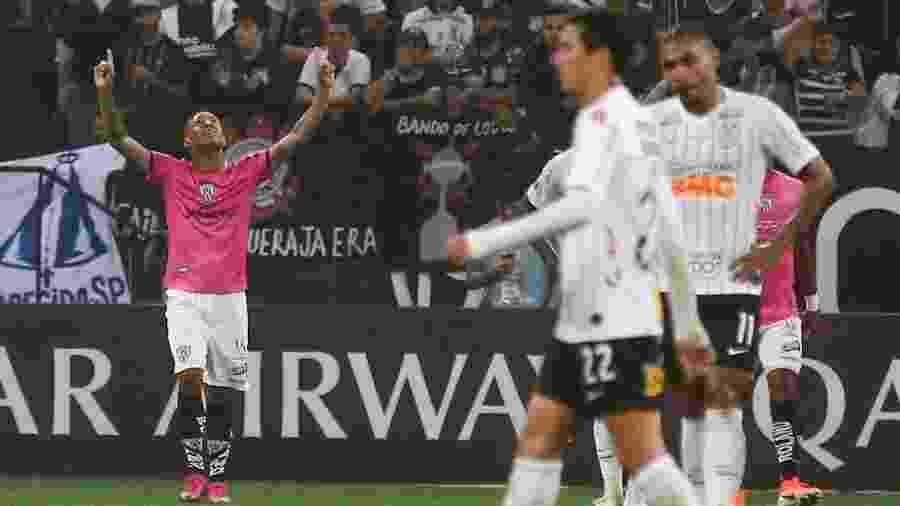 Gabriel Torres comemora gol do Independiente Del Valle contra o Corinthians - Marcello Zambrana/AGIF