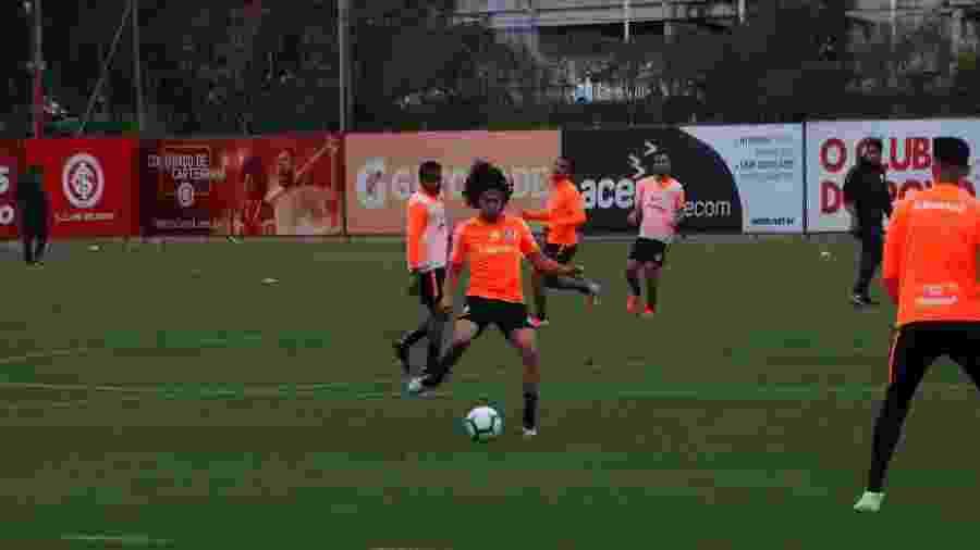 Nonato participa de treinamento do Inter e segue sob supervisão de médicos e preparação física - Marinho Saldanha/UOL