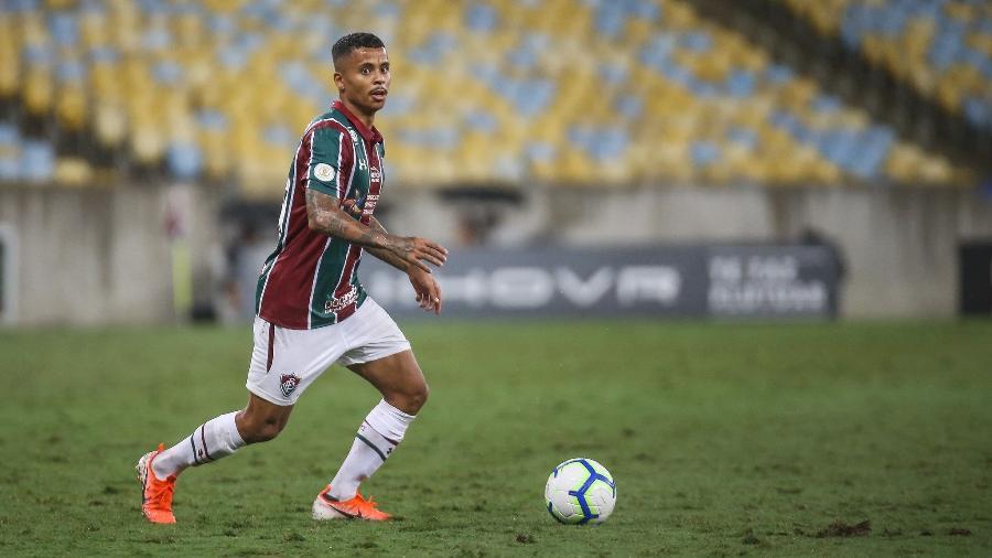 Allan em ação pelo Fluminense em 2019; clube carioca disputa sua contratação com o Atlético-MG - Lucas Mercon/Fluminense FC