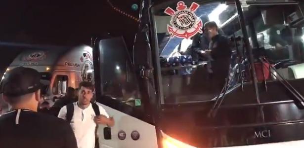 Covid-19: Corinthians retira dois atletas e um funcionário de viagem pra MG