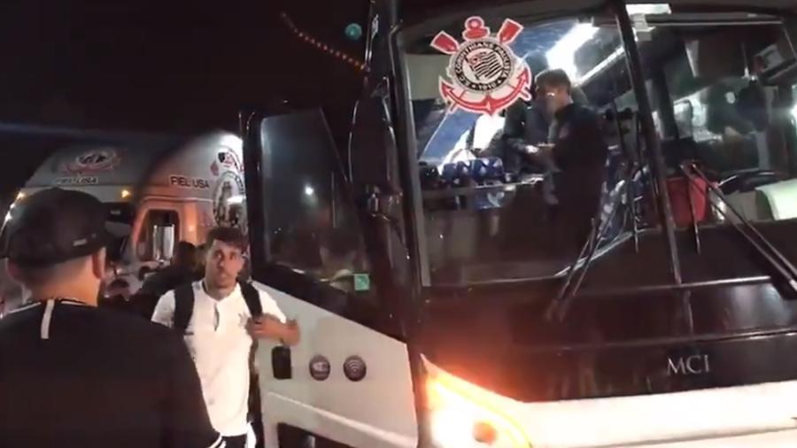 Delegação do Corinthians chegou ao hotel em Orlando para a disputa da Florida Cup - Reprodução/Twitter