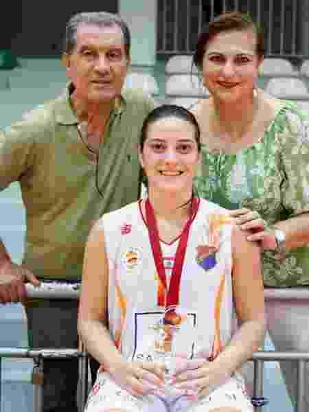 Rebecca Akl com o pai libanês e a mãe brasileira, Samira - Reprodução/Instagram - Reprodução/Instagram